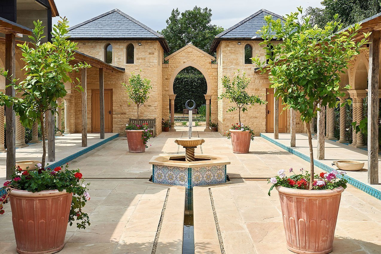 Kingham Lodge Gardens - Pavilion Courtyard