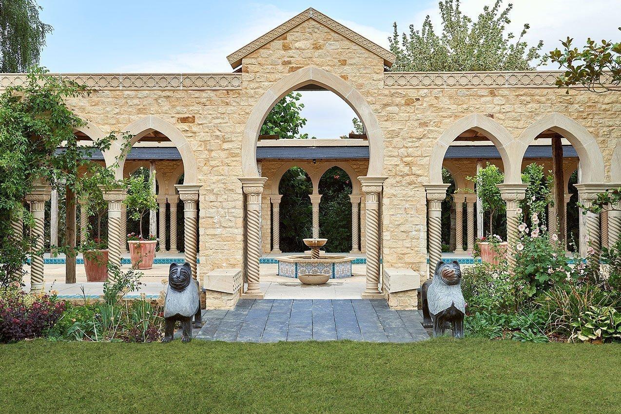 Kingham Lodge Gardens - Pavilion Archway