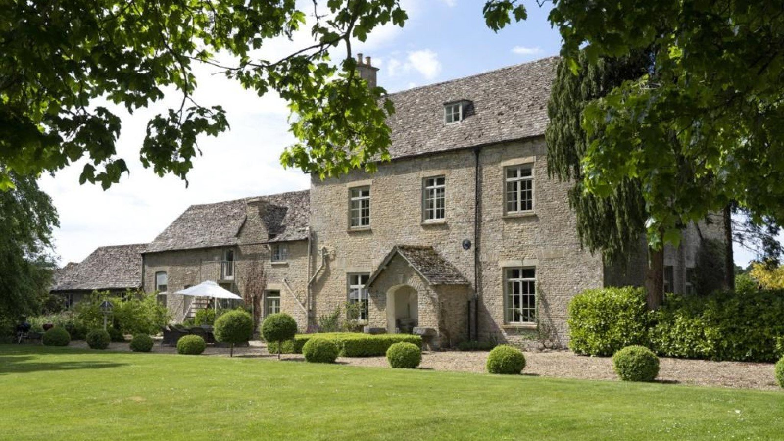 Lower Court Estate - Lower Court Manor House Facade