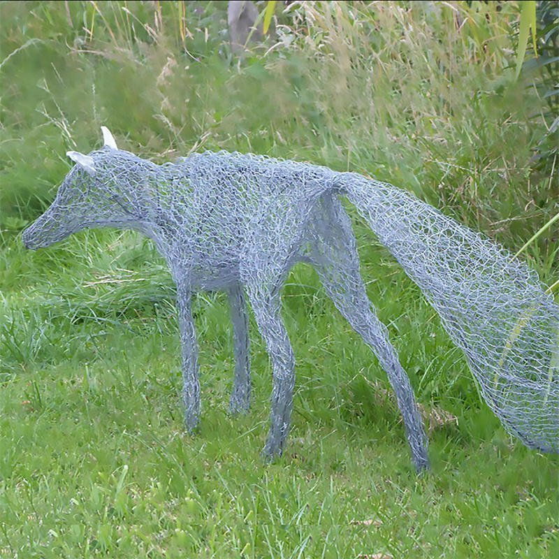 Oxfordshire Artweeks Festival 2021 - Gallery Image 05 - Melissa Orrom Swan WOA, Silver Fox, mixed wires, life-size garden sculpture