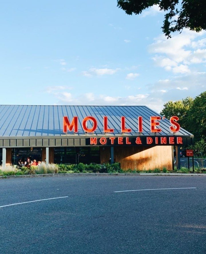 Mollie's Motel & Diner, Faringdon, Oxfordshire - Gallery Image 01