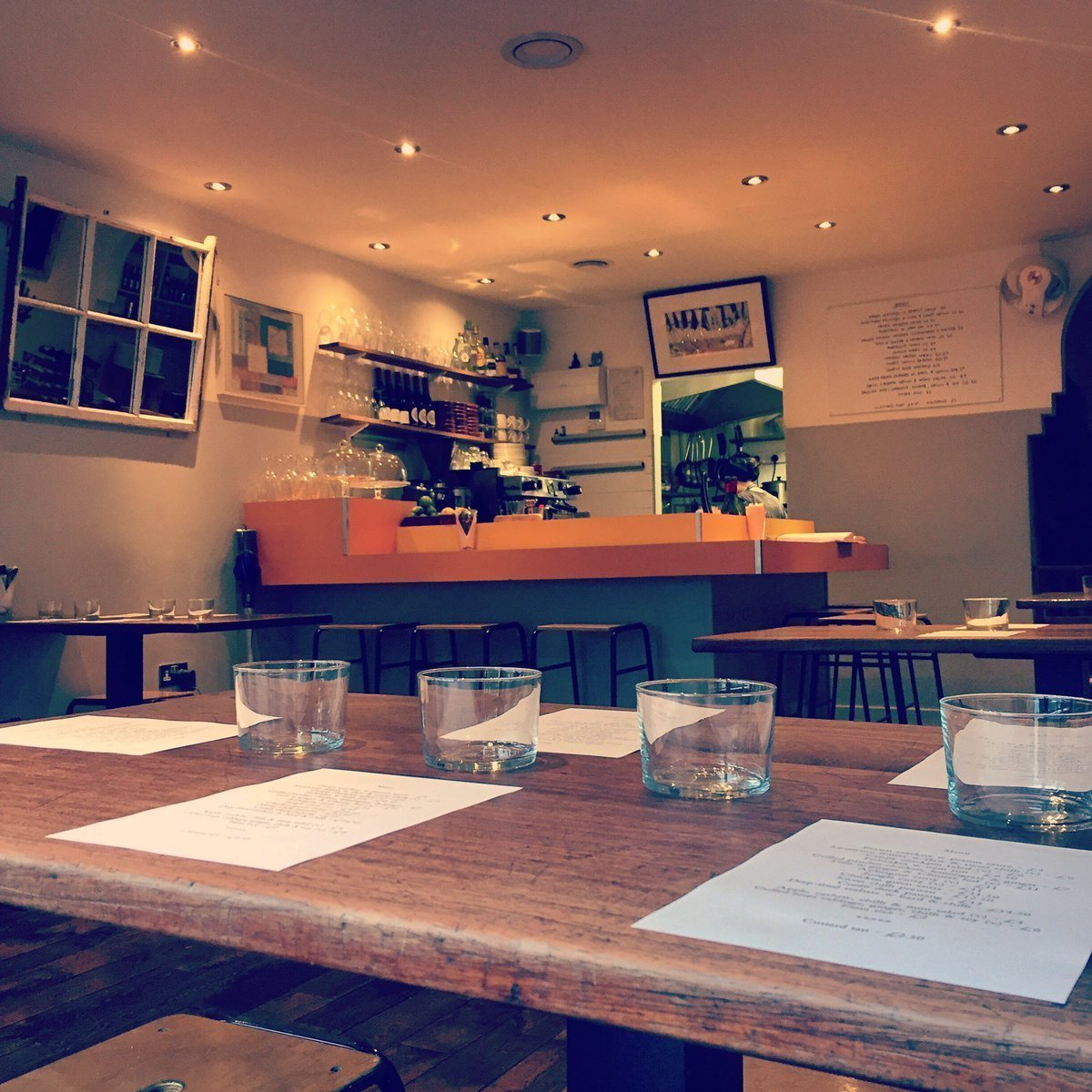 Oli's Thai Restaurant, Magdalen Road, Oxford - Interior