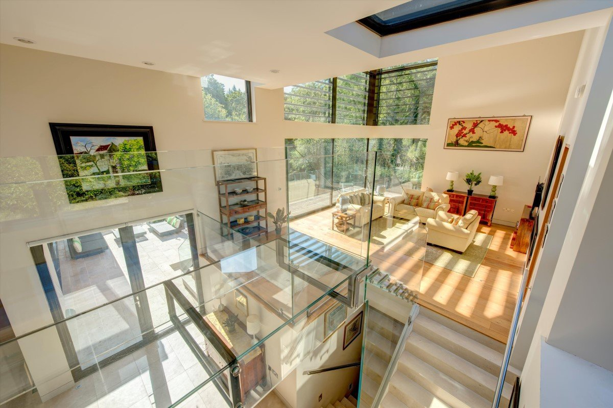 Ossicles: A stunning and unique five-bedroom detached house in Newnham Hill Henley-on-Thames Oxfordshire Gallery Image 09