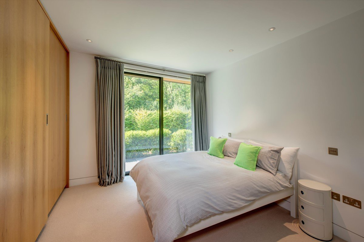 Ossicles: A stunning and unique five-bedroom detached house in Newnham Hill Henley-on-Thames Oxfordshire Gallery Image 14