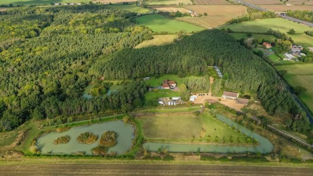 Panshill Leisure - Luxury rural retreat in Oxfordshire on the market