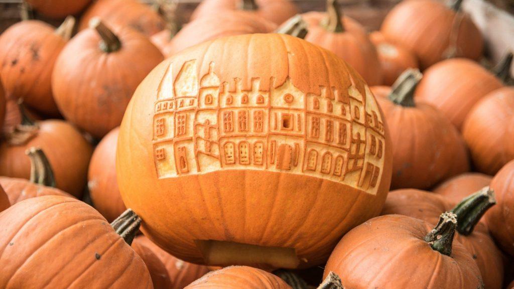 Pumpkin Carving at Waddesdon Manor