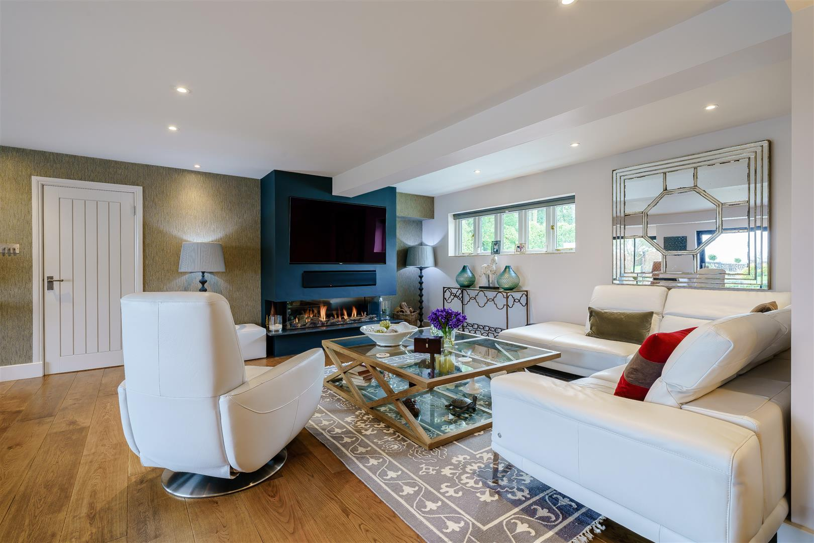 Rowstock Manor - Gallery Image 05 - Drawing Room