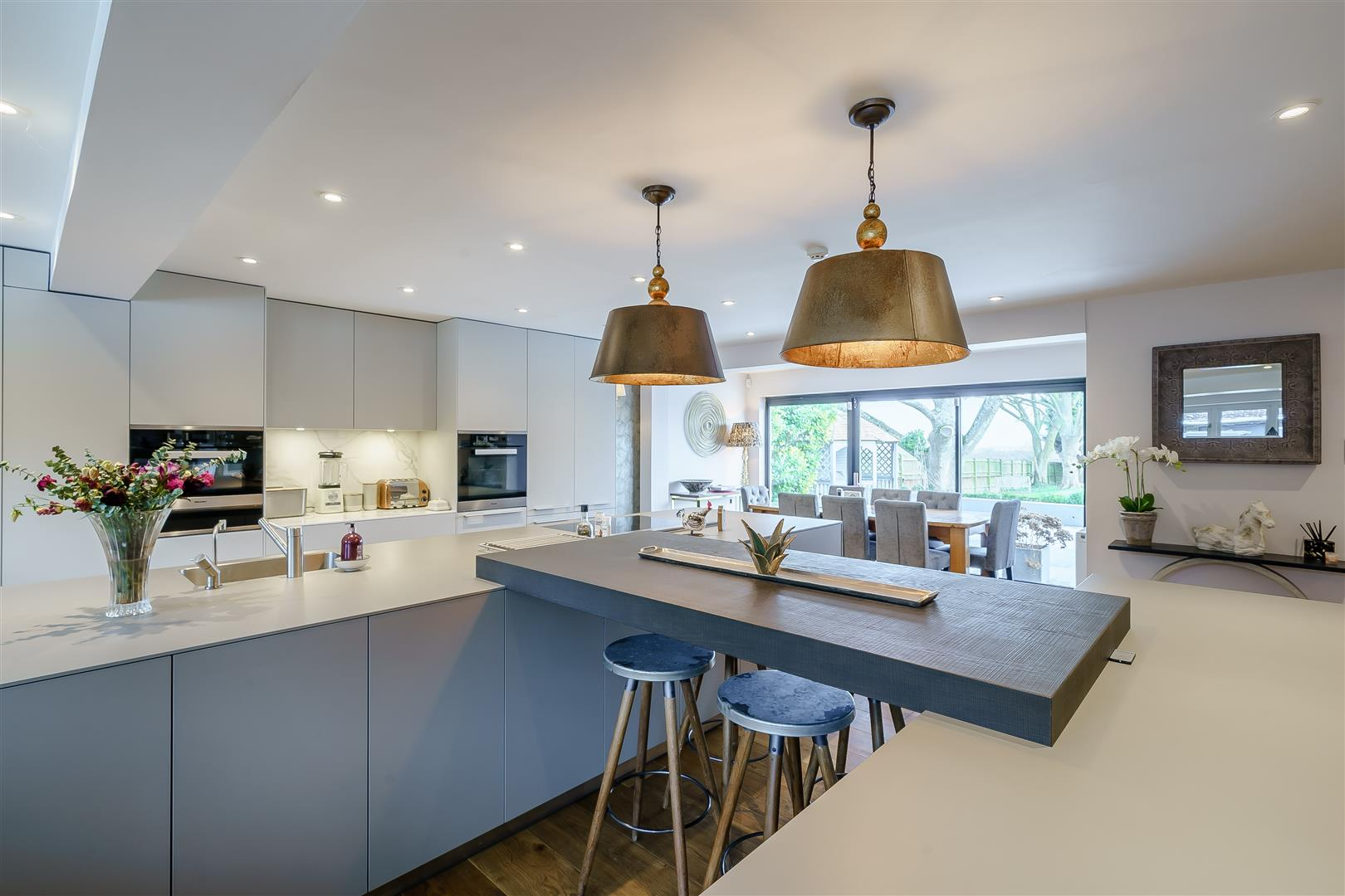 Rowstock Manor - Gallery Image 11 - Kitchen