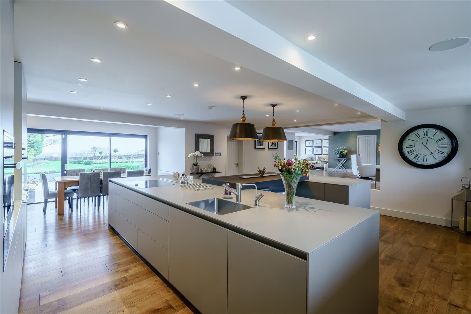 Rowstock Manor - Gallery Image 12 - Kitchen