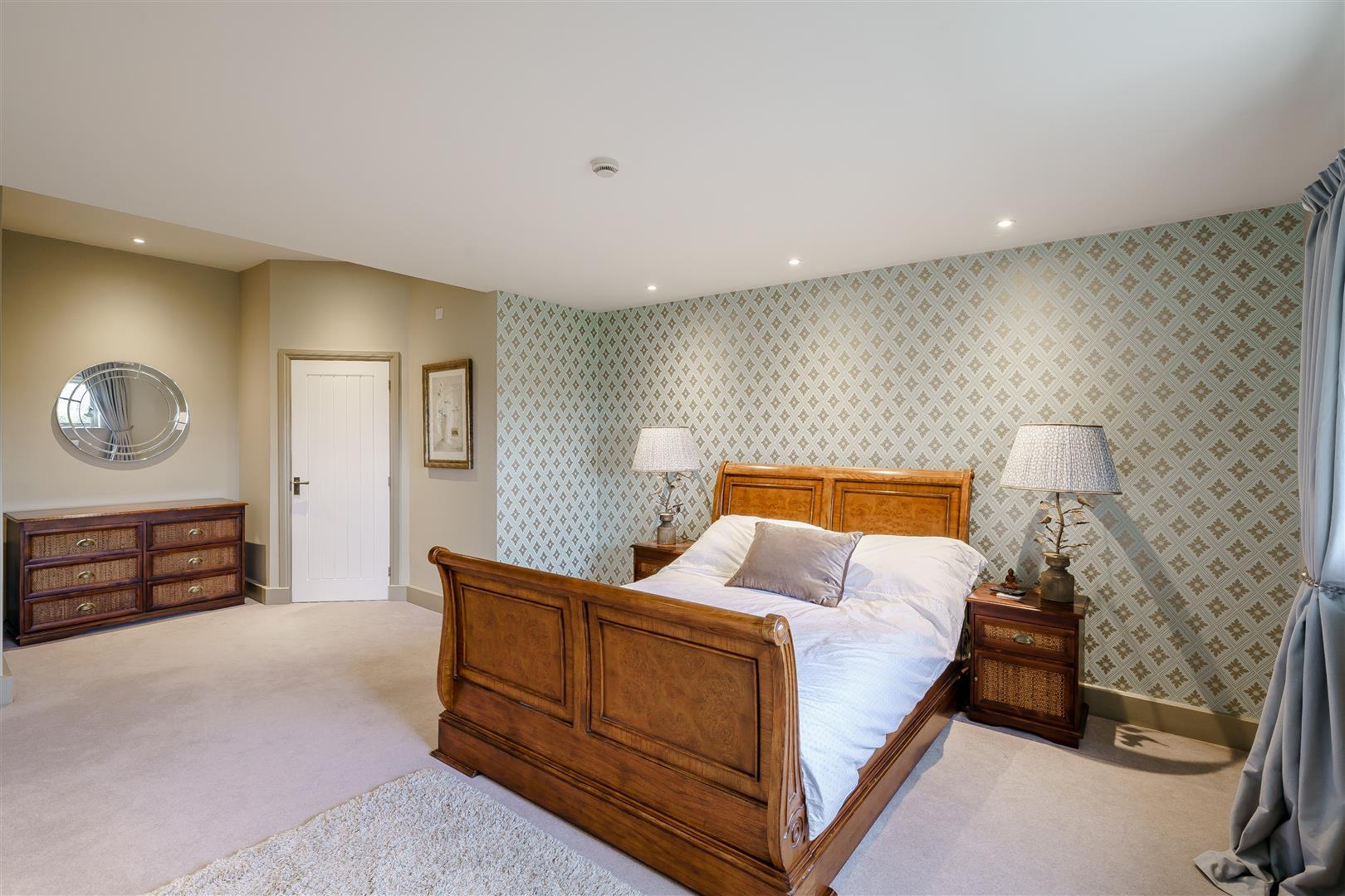 Rowstock Manor - Gallery Image 20 - Bedroom 2