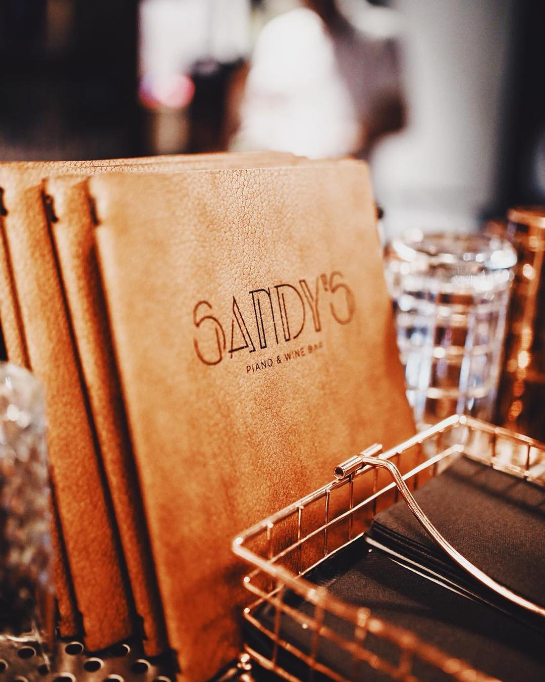 Sandy's Piano & Wine Bar