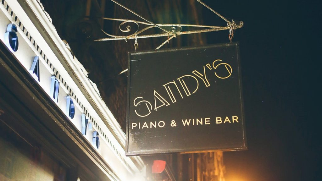 Sandy's Piano & Wine Bar