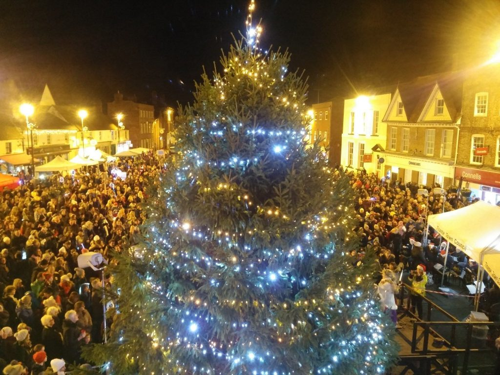 Thame's Christmas Lights Switch-On