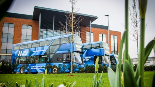 Thames Travel unveils new Milton Park buses livery