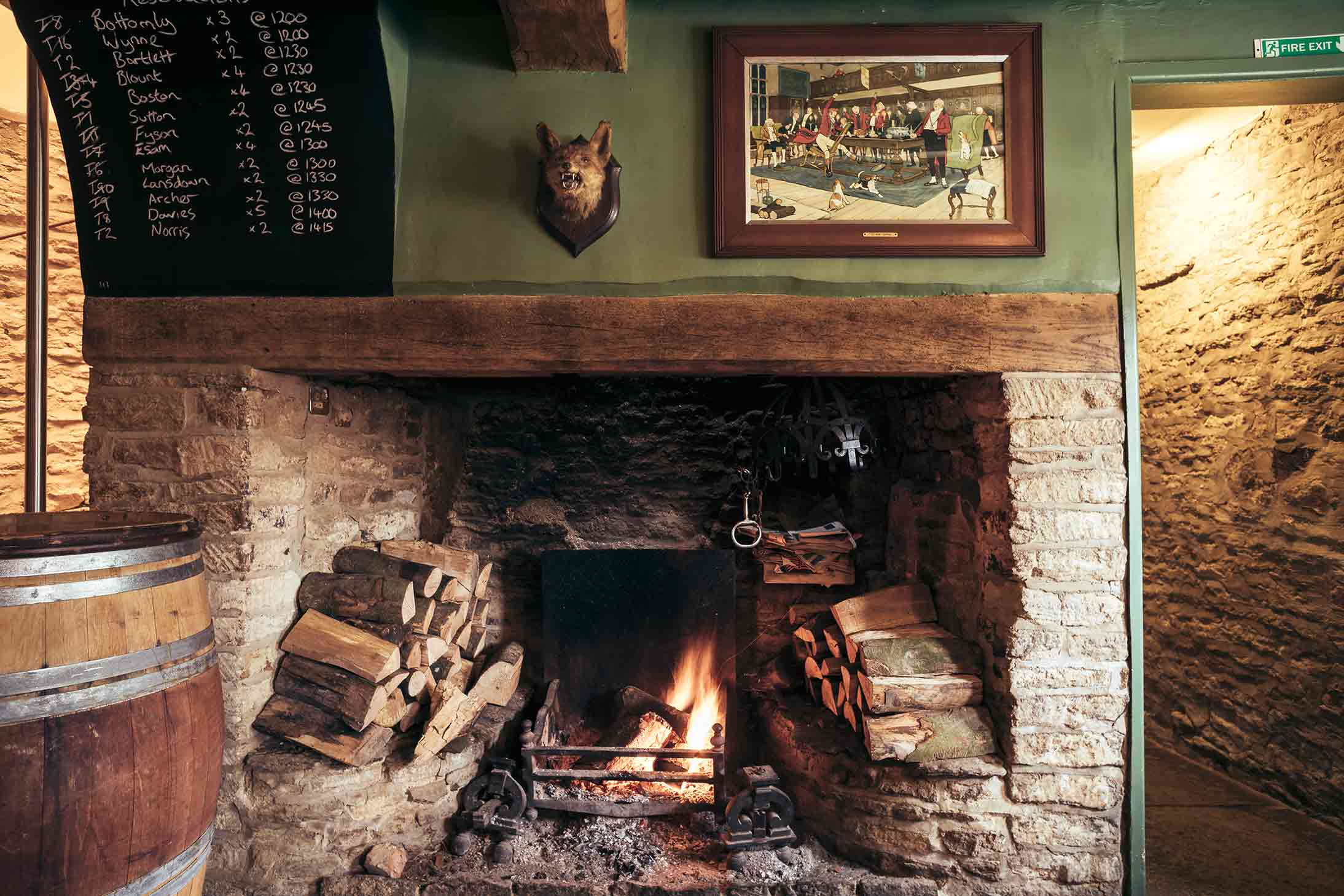 The Bell Inn, Langford, Oxfordshire - Fireplace