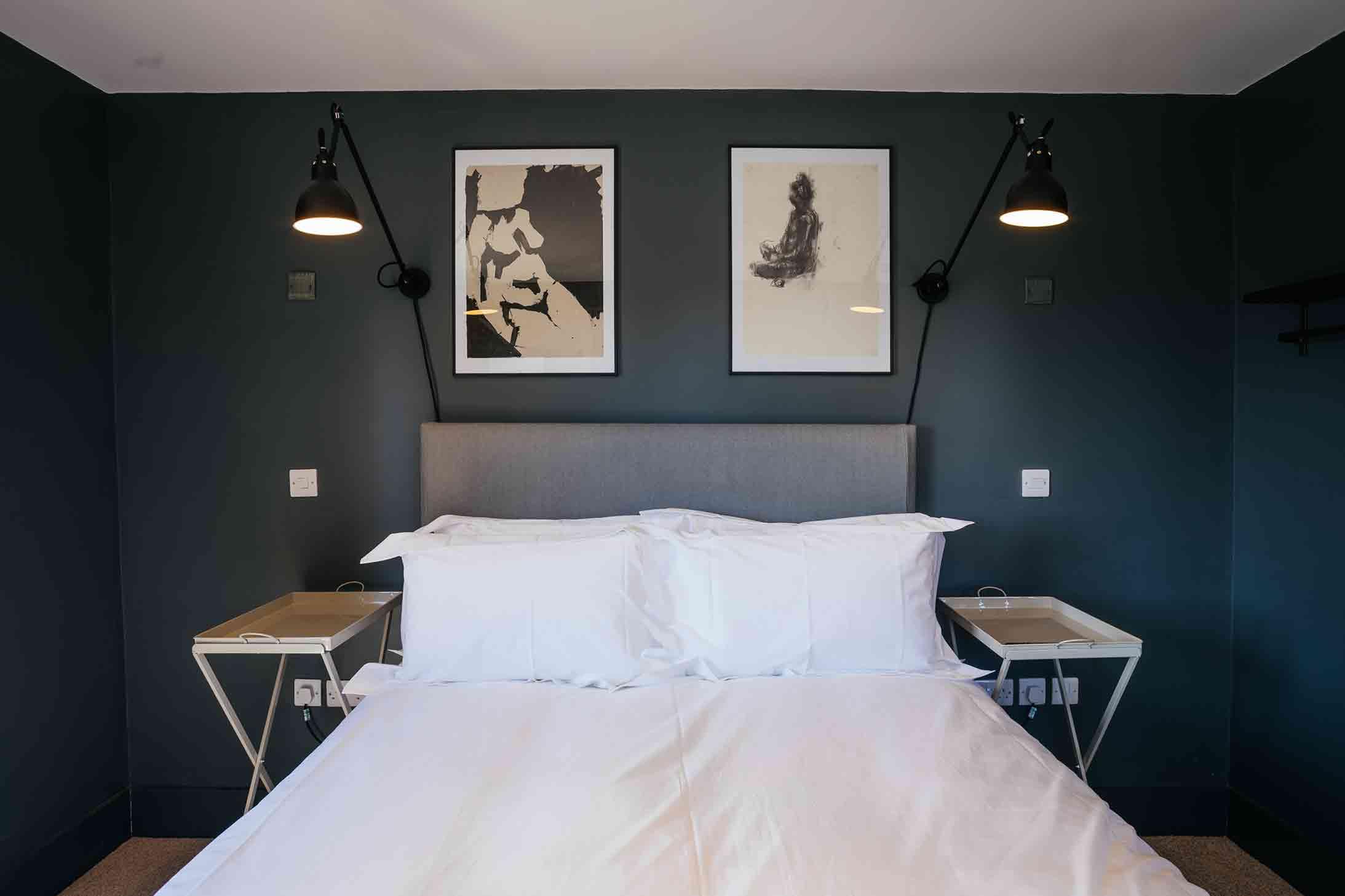 The Bell Inn, Langford, Oxfordshire - Bedroom