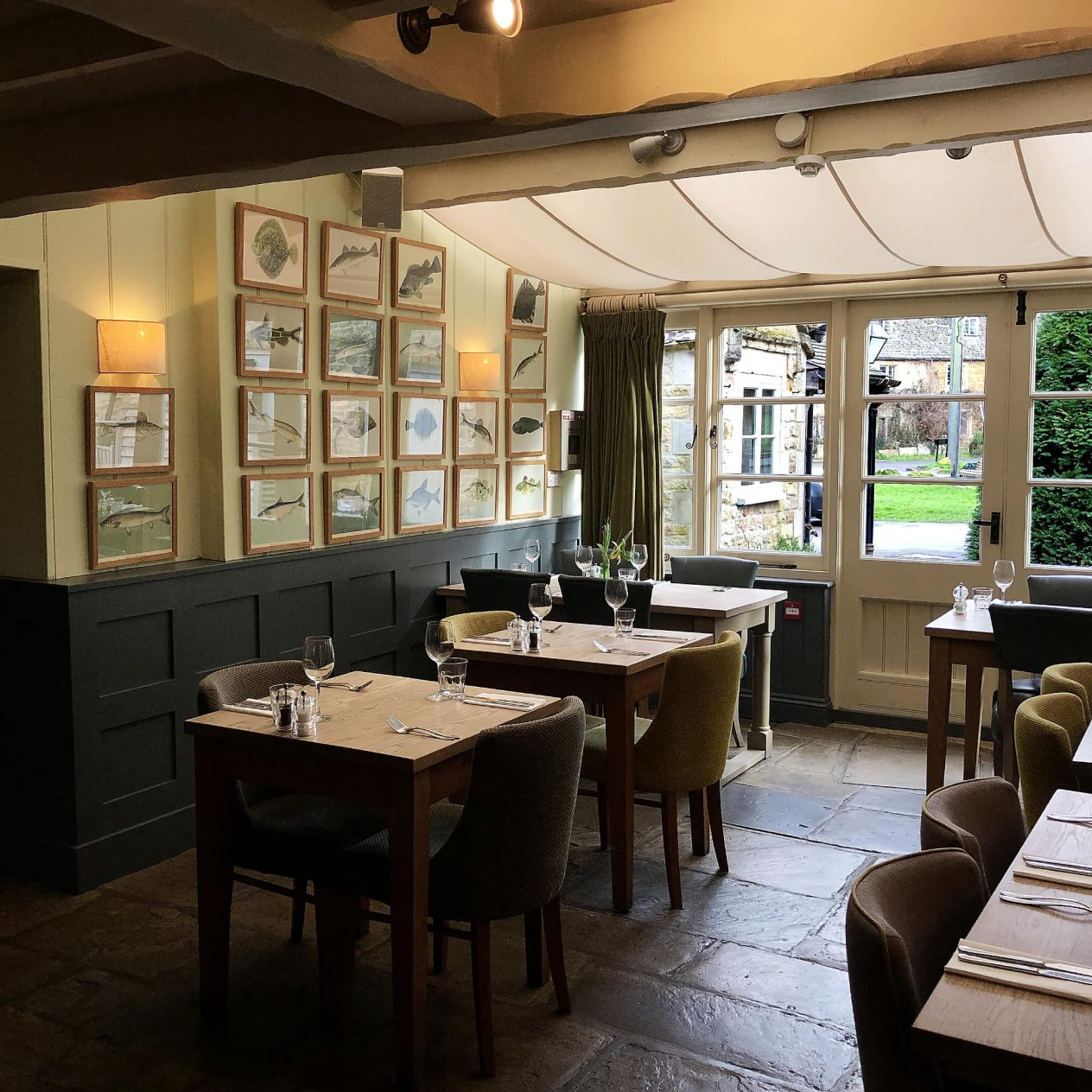 The King's Head Inn Bledington Oxfordshire - Restaurant & Pub with Rooms - Restaurant