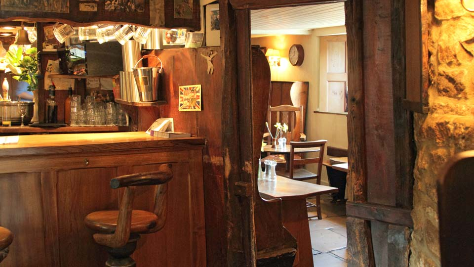 The King's Head Inn Bledington Oxfordshire - Restaurant & Pub with Rooms - Bar