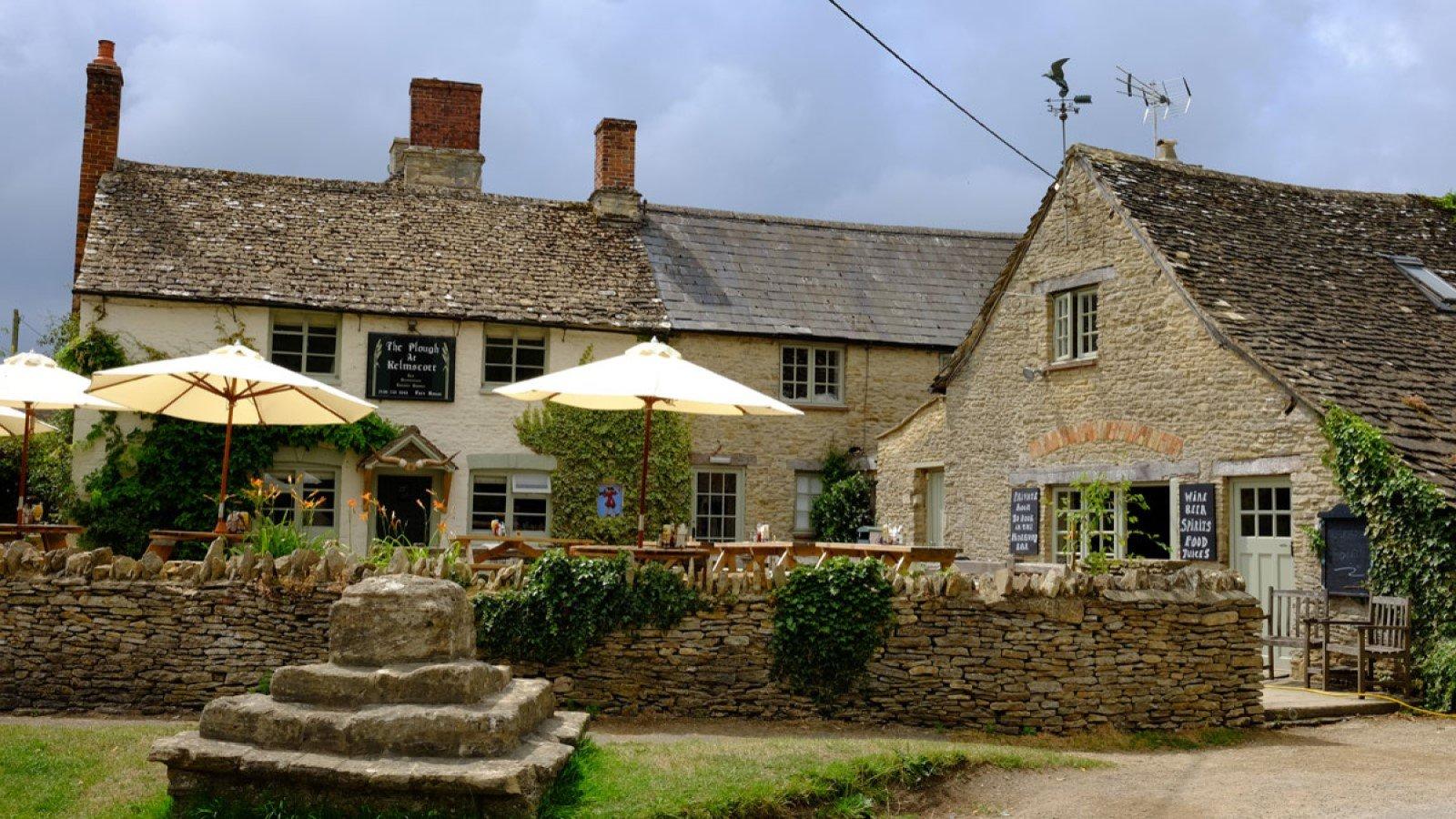 The Plough Kelmscott, Oxfordshire Pub Inn Exterior