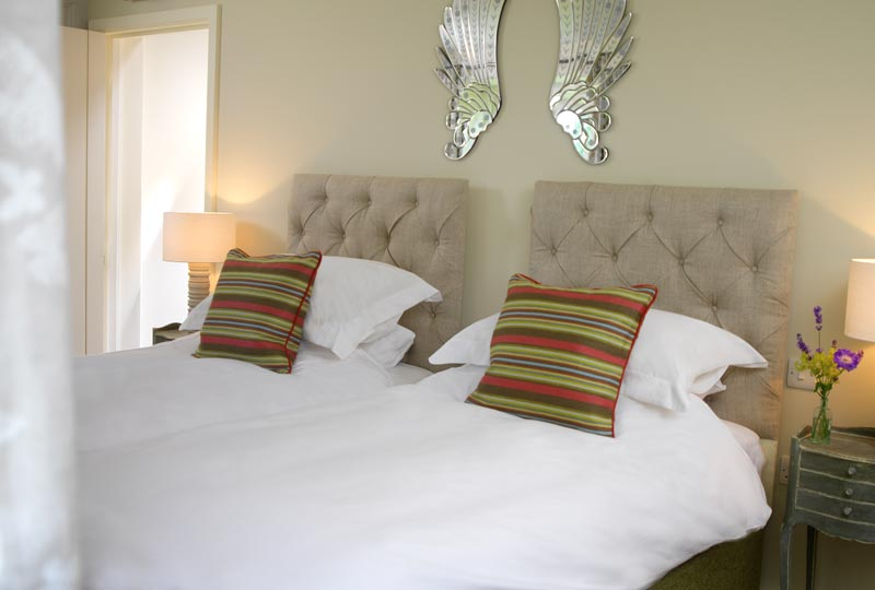 The Swan Inn Swinbrook Oxfordshire Restaurant and Pub with Rooms - Bedroom