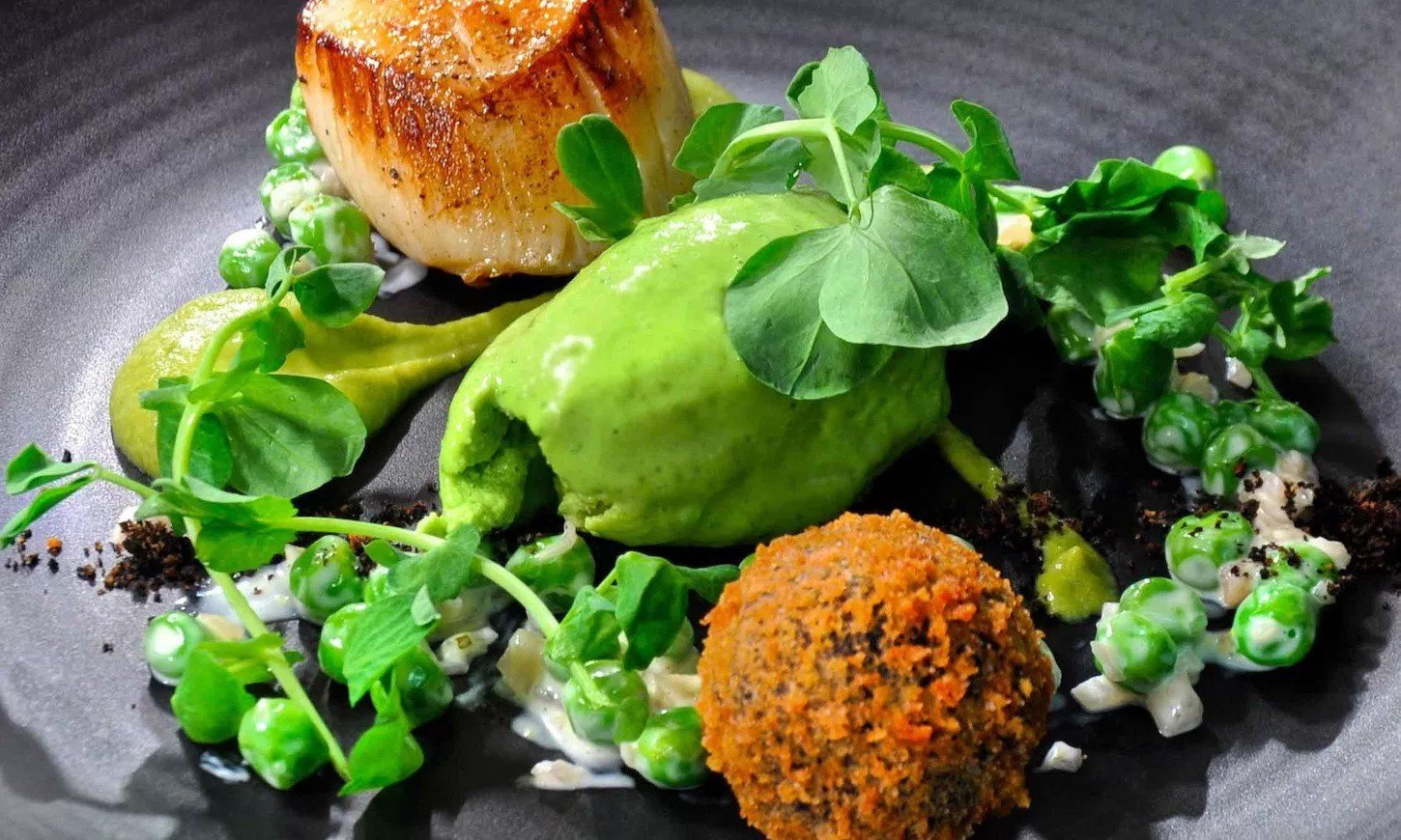 The White Hart Fyfield Fine Dining Pub Restaurant in Oxfordshire - Food - Scallops