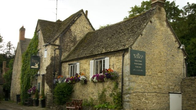 The White Hart of Wytham Restaurant and Gastropub in Wytham near Oxford, Oxfordshire
