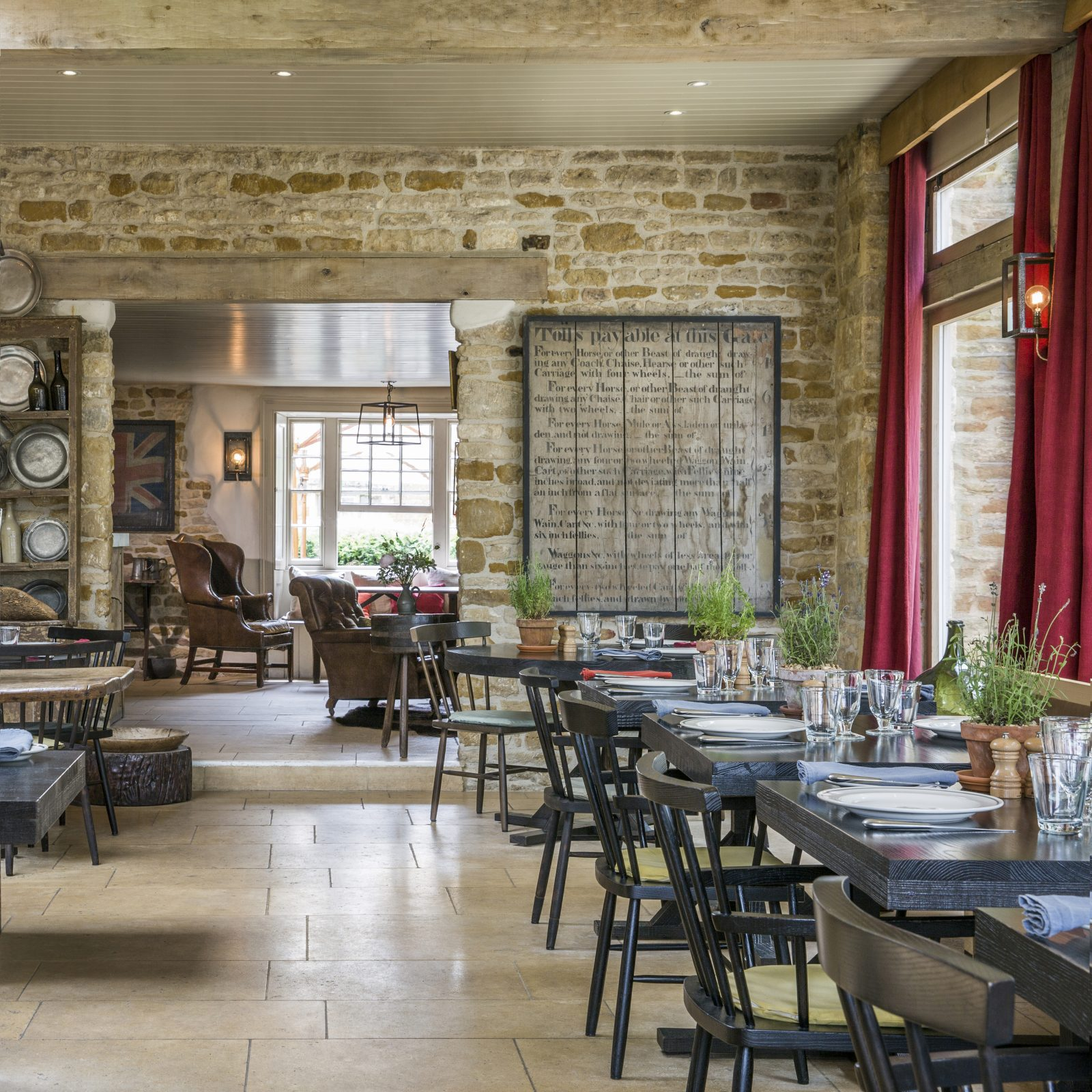 The Wild Rabbit, Kingham Pub with Rooms in Oxfordshire 05