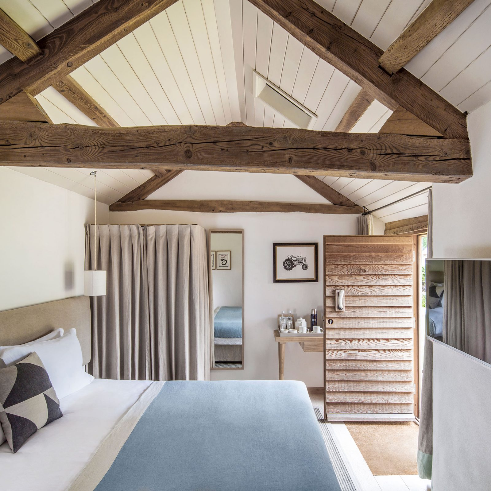 The Wild Rabbit, Kingham Pub with Rooms in Oxfordshire 10