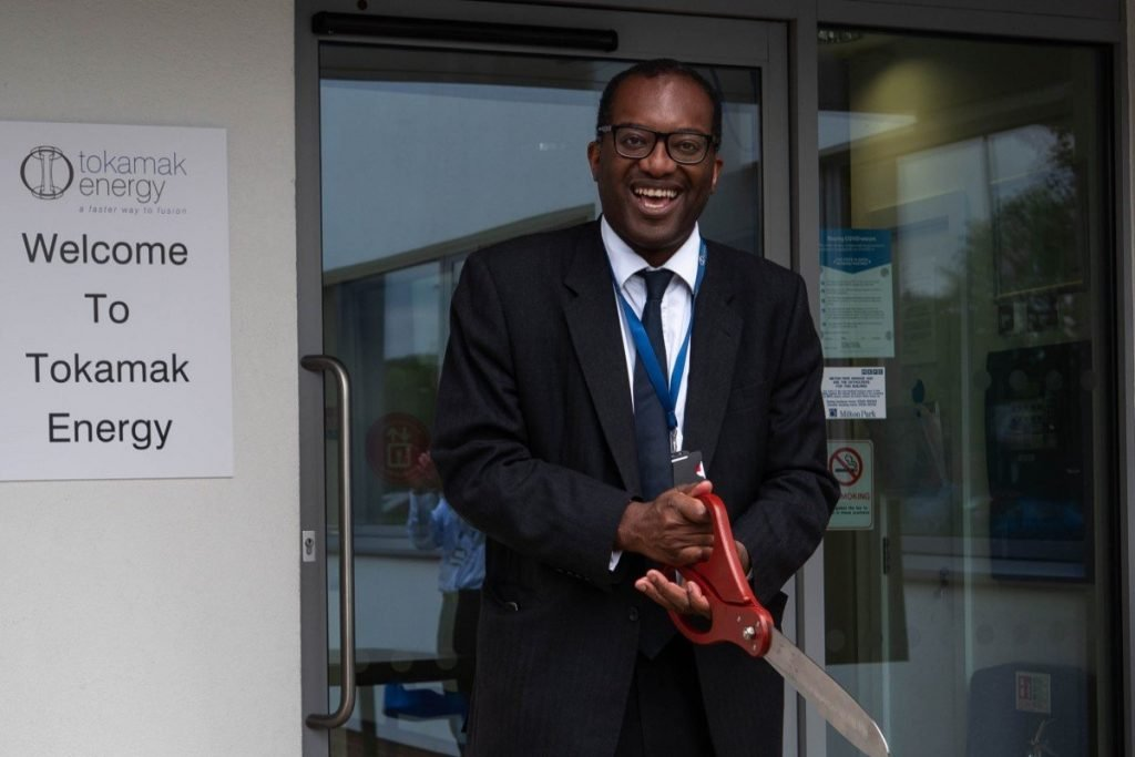 Kwasi Kwarteng MP, the Secretary of State for Business, Energy and Industrial Strategy, cutting ceremonial ribbon to mark Tokamak Energy's expansion plans