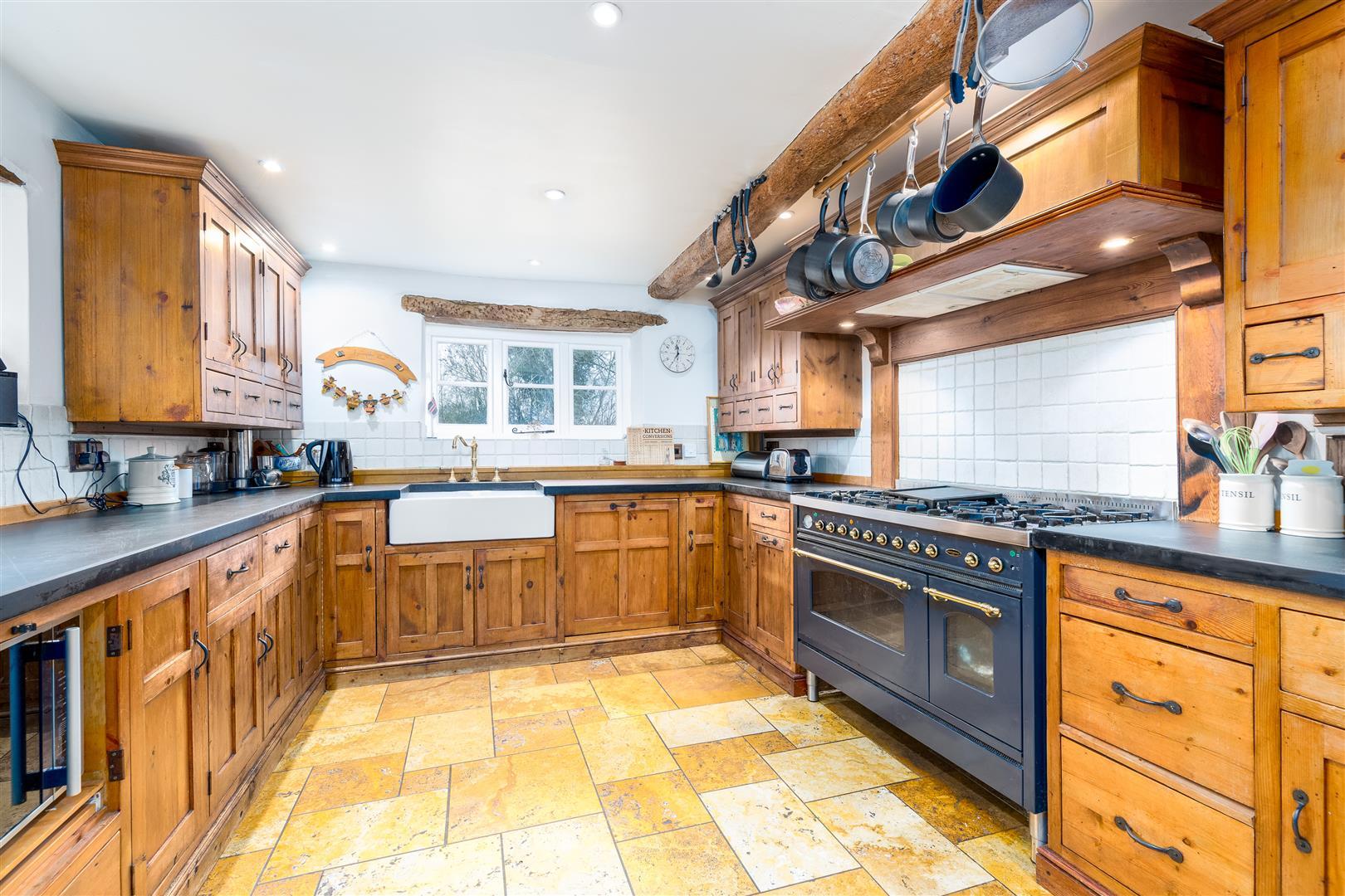 Tubney Manor - Kitchen
