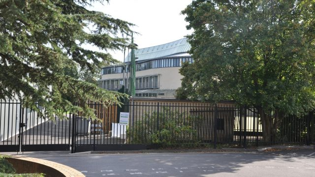 Oxford University opens vaccination centre for students at University Club on Mansfield Road